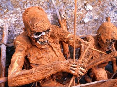 Papua New Guinea-The Iseiki Tribe Burial Ritual-by Martin Sullivan